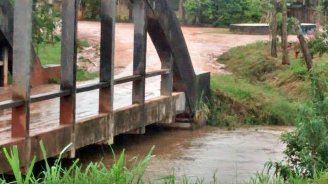 Nível do Rio Mogi Guaçu elevado devido as fortes chuvas.