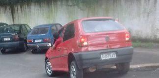 Carro cai em estacionamento do Pronto Socorro de Ouro Fino