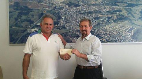 Toninho Franceli ao lado do prefeito