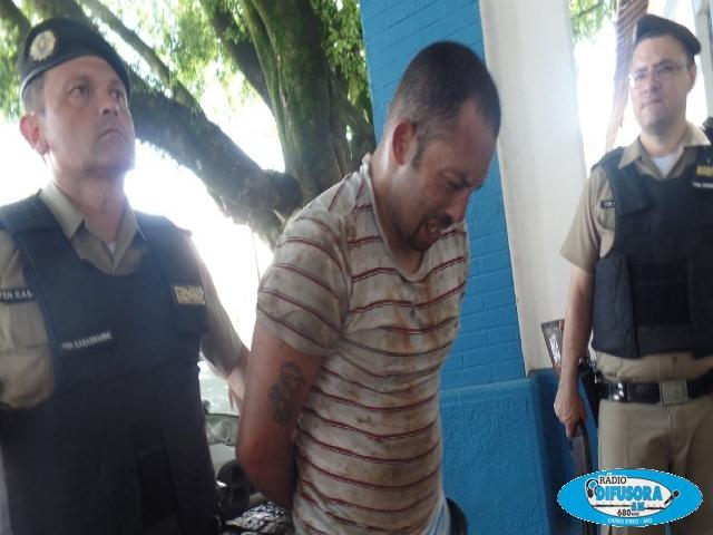 Um dos assaltantes está preso.