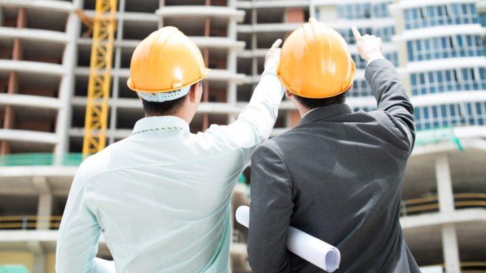 Recomendações para evitar acidentes valem para trabalhadores da construção civil e também para a população.