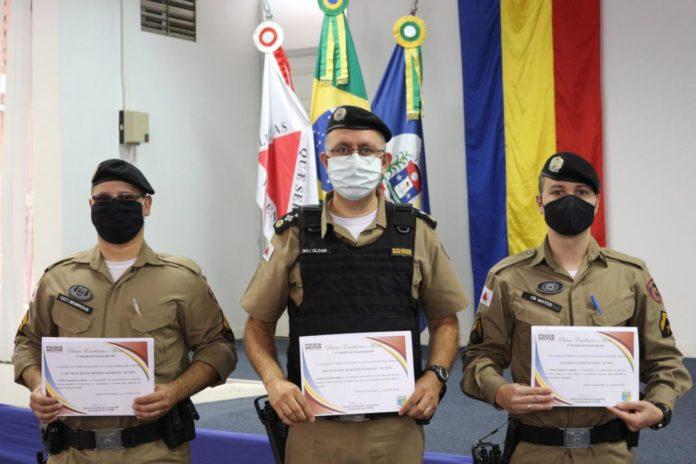 Militares premiados em Ouro Fino
