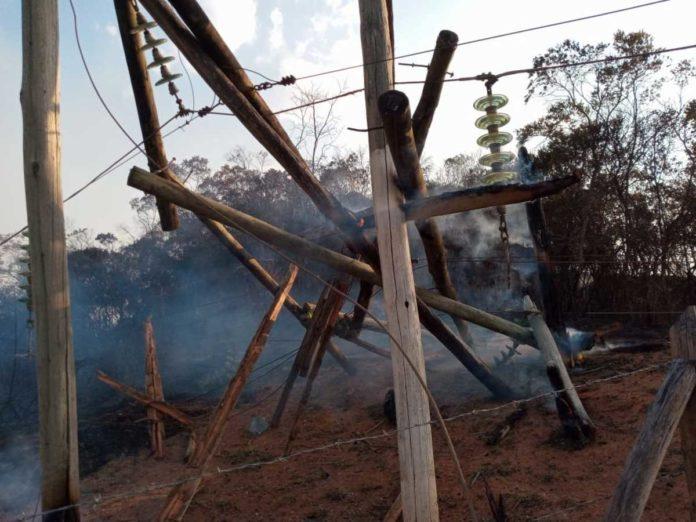 Queimada causou danos na rede de energia entre Caxambu e Passa Quatro