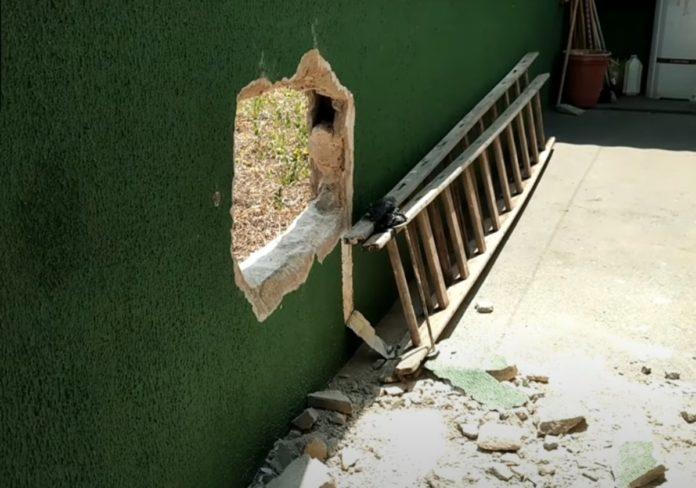 Muro da Câmara Municipal danificado