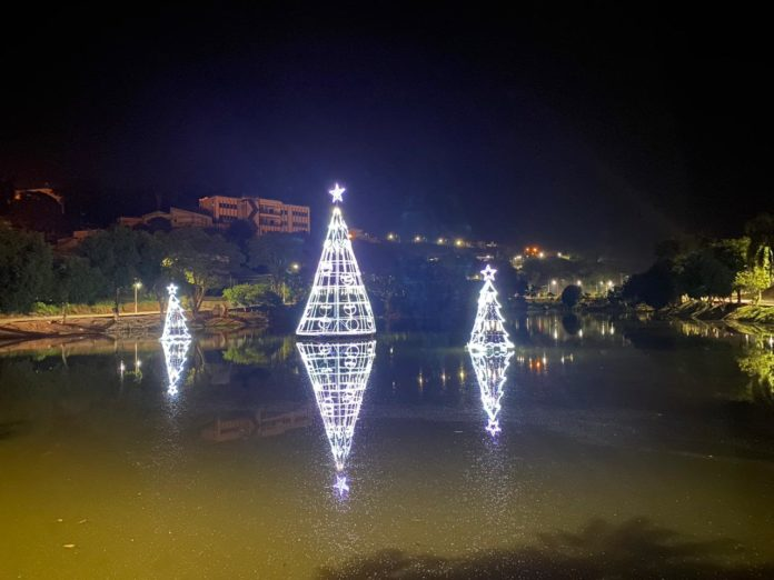 Recanto dos Lagos recebe decoração de Natal