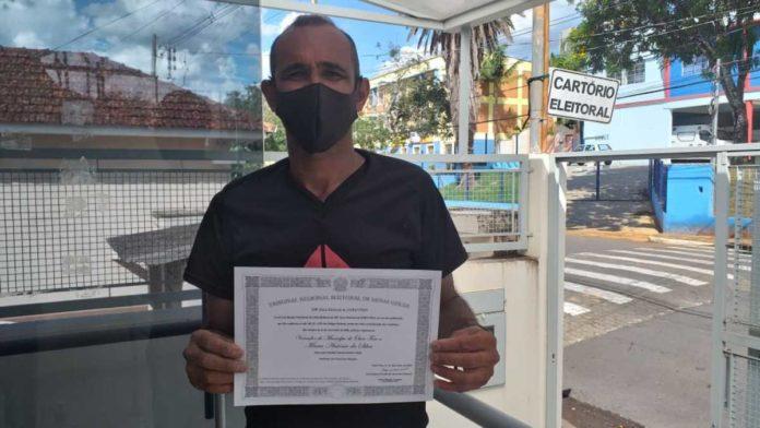 Marquinho Eletricista recebe seu diploma de vereador eleito